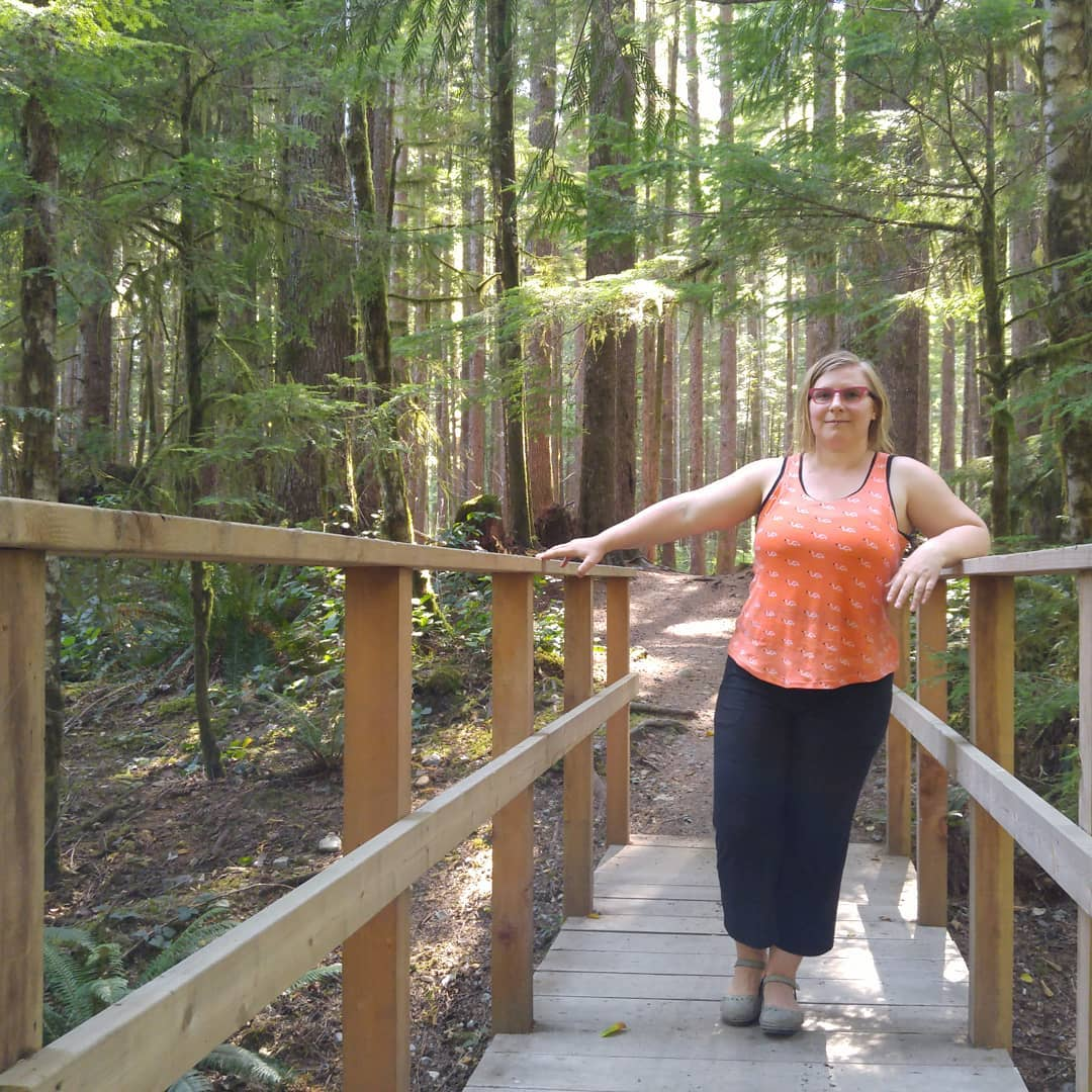 Out and about in my flamingo tank top! In the beautiful forest around Port Renfrew. Pattern is @jalie_patterns Tank, sewn in @madebyrae Sidewalk knits. cscmakes makersgonnamake